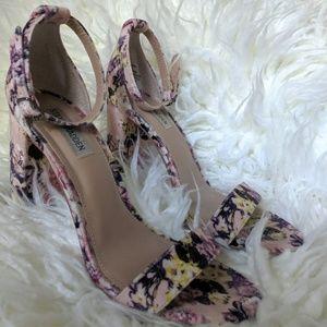 Steve Madden Shoes - Steve Madden floral heels